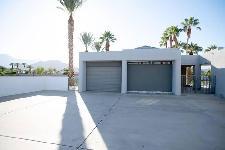 Coachella Guest Home!