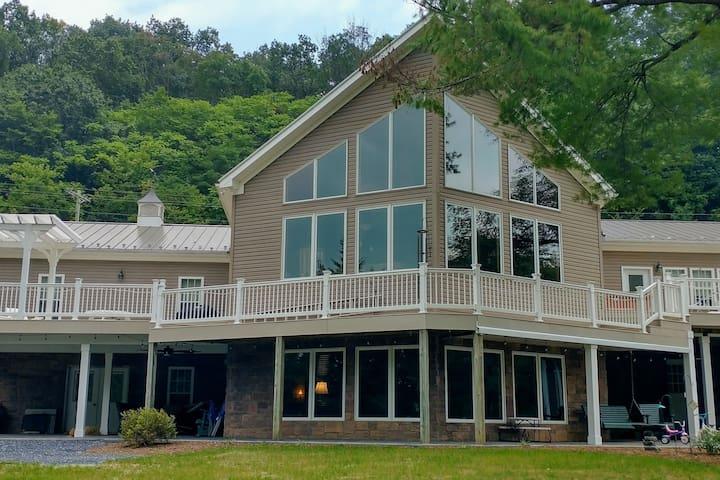 North River Inn