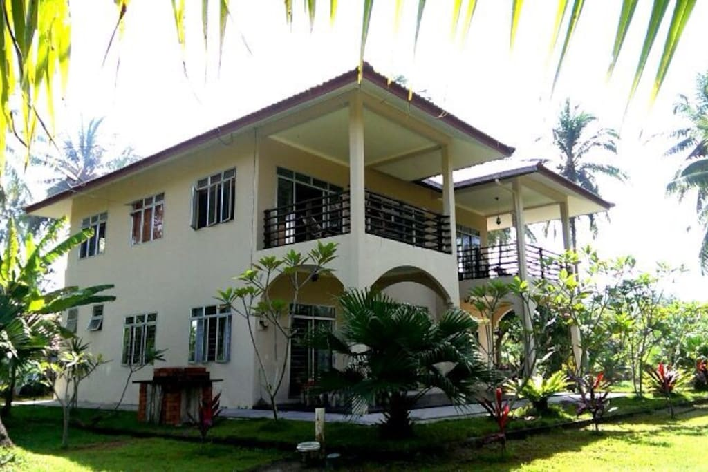 Eagle Eye Homestay Langkawi Island                                  This homestay unit has 3 bedrooms for 6 to 10 guest, one master bedroom with king bed on the upstairs have their own private bathroom and private balcony. The other two downstairs which h