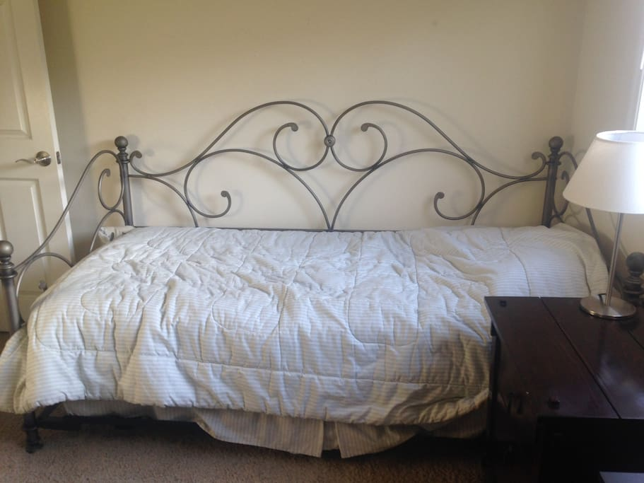 This is the front view of the daybed. I provide all linens, blankets, etc.