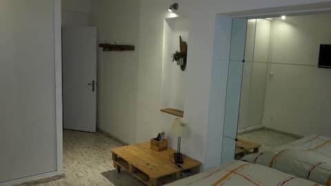 Studio rénové tout confort avec terrasse