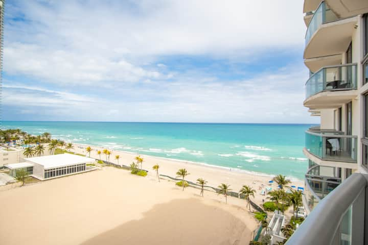 Luxurious Ocean View Unit Close to Aventura Mall