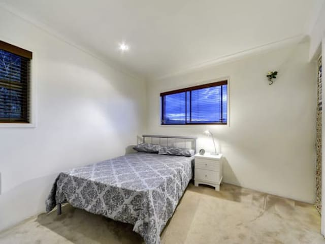 Halifax Double Bed - Adelaide - Appartement