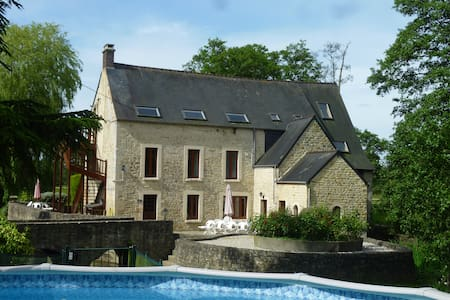Le Moulin Morin -Woodpecker Bayeux - House