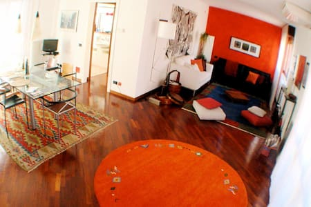 room in roof-space in 2-floor loft close to metro - Milan