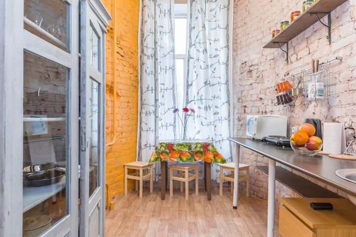 Stylish apartment near Vosstaniya