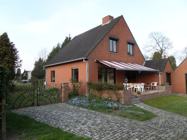 "weekend house ""bijenhof"" 3 bedroom - Jabbeke - Casa"