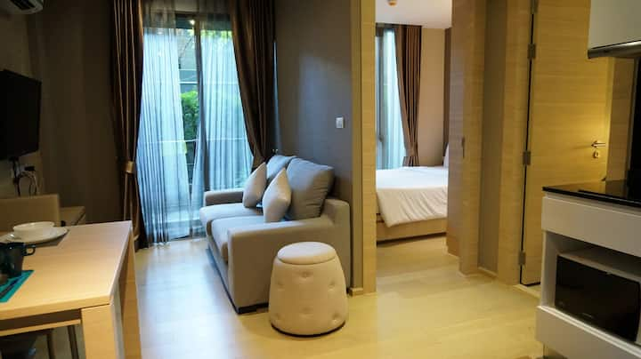 公寓 Cozy 1BD&Kitchen @Silom Soi 3 (BTS Saladaeng)#1