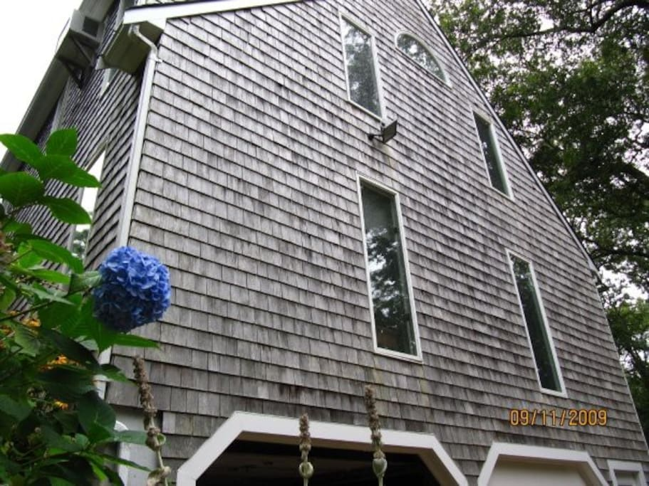 Spacious, well maintained Vineyard Haven home