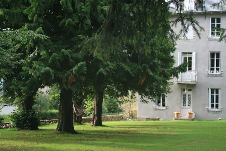 Vivez dans une maison de famille - Le Chambon-sur-Lignon - Talo