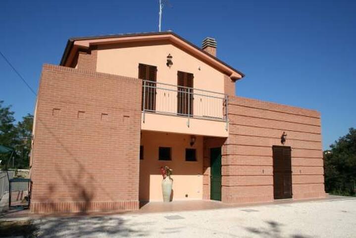 Farmhouse La Collina delle Streghe - Castelbellino - Гестхаус