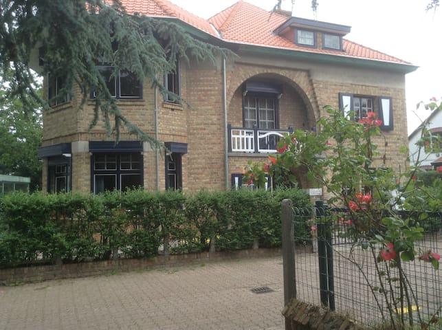 volledige 'Cottage Villa' voor 6-8 personen - De Panne - Chalet