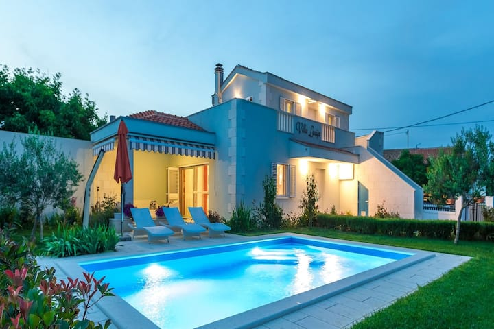 Gorgeous Villa in Vrsi with Swimming Pool