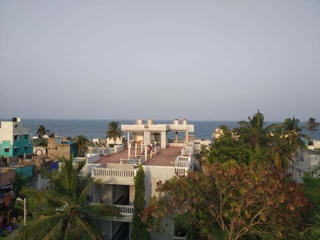 New private A/C apartment + terrace with sea view