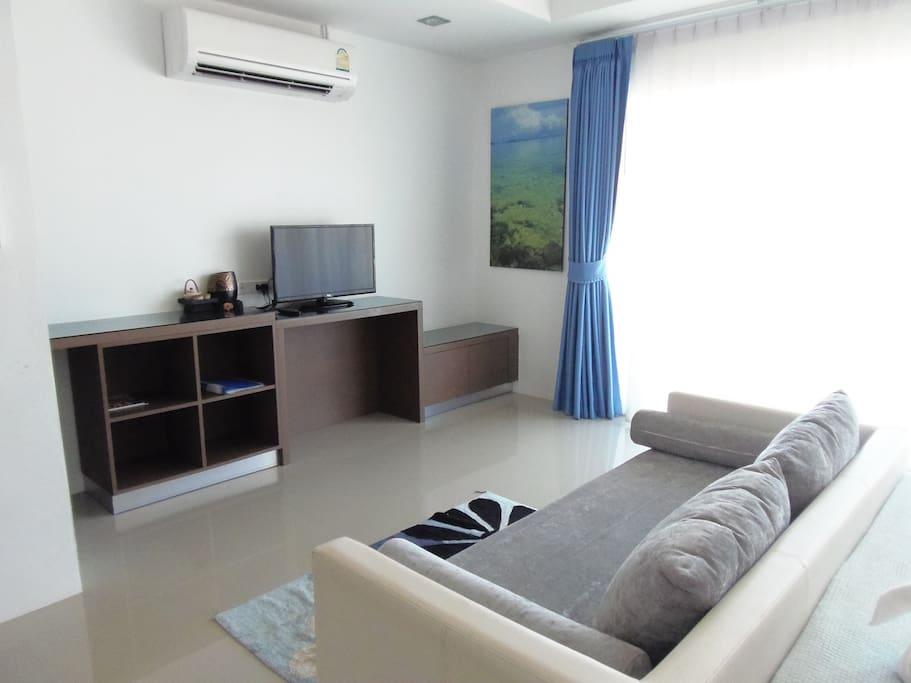TV / Air Conditioner