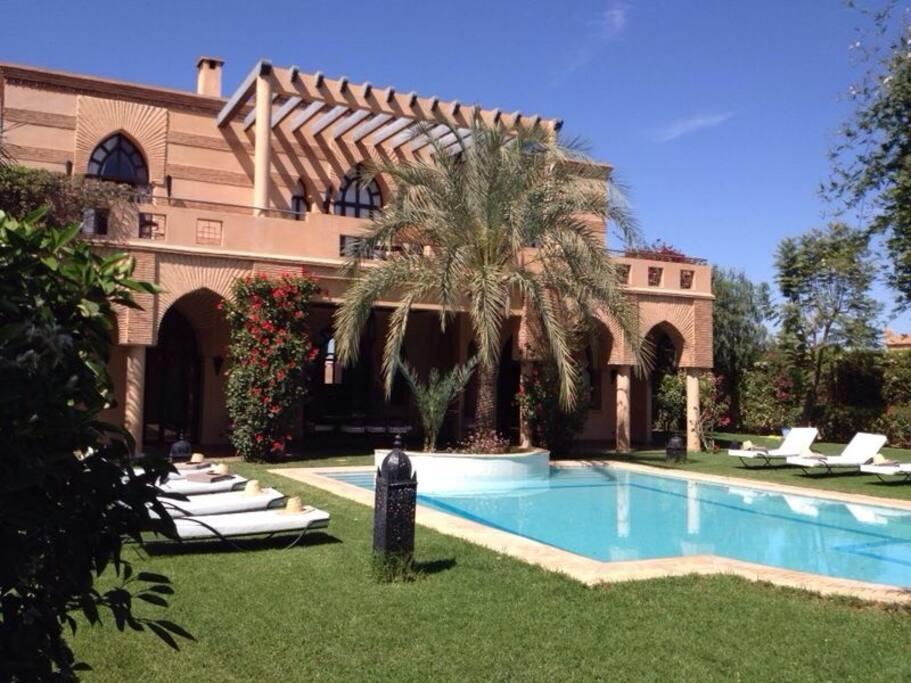 Villa 5 chambres piscine priv e marrakech villas for for Piscine privee marrakech