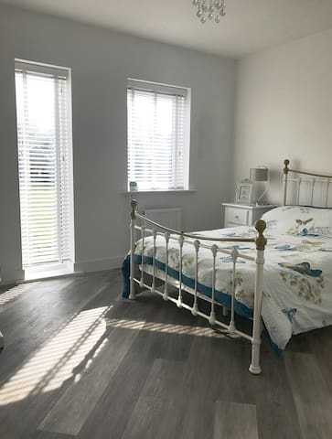 Bath - Double Rm, Parking & Breakfast. Combe Down