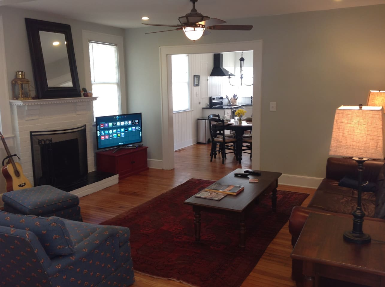 Living room with Smart TV, cable, and Netflix!