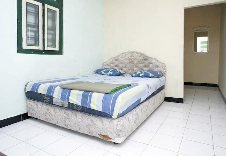 Hanna room 1