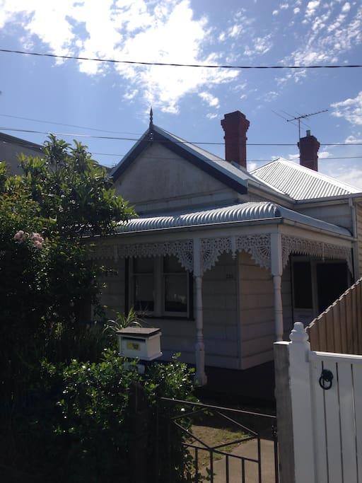 Quaint house in preston houses for rent in preston for Preston house