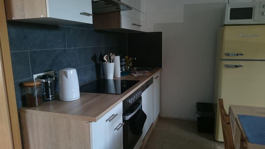 Neu eingerichtete Küche