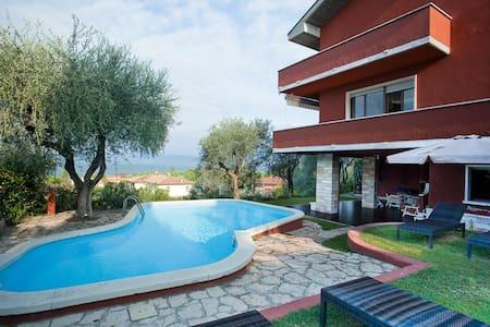 "VILLA ""SEVENTIES"" - Lake Garda - Bardolino - 別荘"