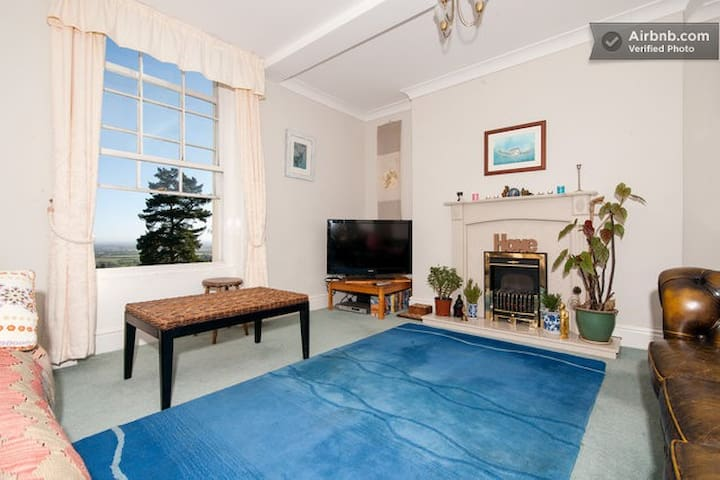 Fabulous Flat in Malvern Wells - Malvern Wells - Apartment