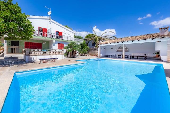 Family-friendly holiday home near the beach - Apartment Es Pins Gran