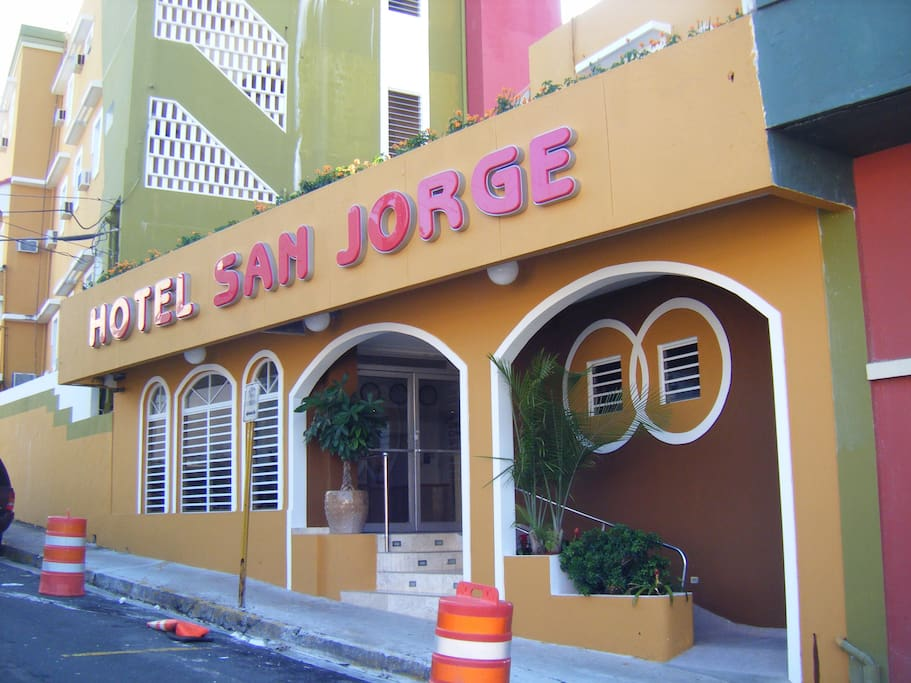 The main entrance is on Calle San Jorge where your taxi will let you out. Ring the bell on the right side of the front door..