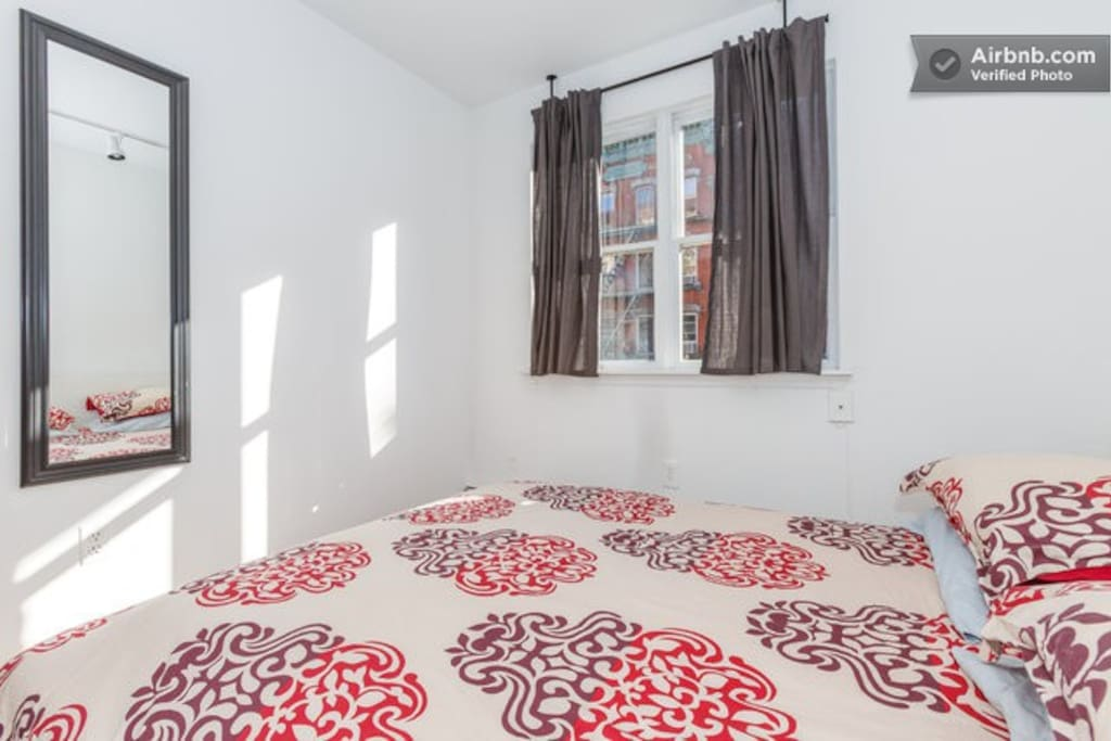 East Village Cocoon: 2 Bedroom Flat