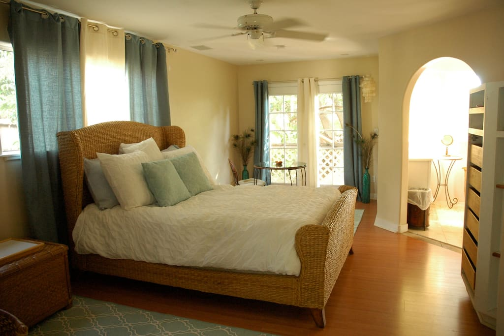 Large Master Bedroom W Private Bath Houses For Rent In Kihei Hawaii United States