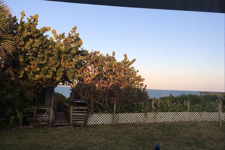 Casa~Playa - Private beach cottage - Melbourne Beach