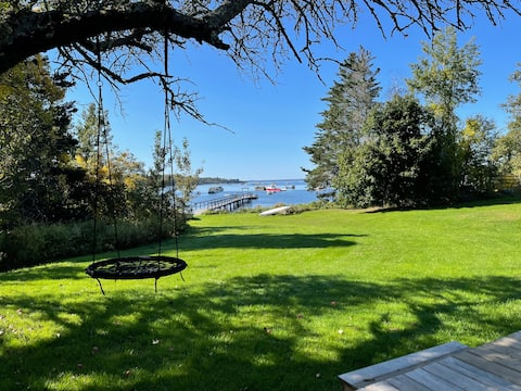 Our charming,oceanfront,  Bradford point cottage