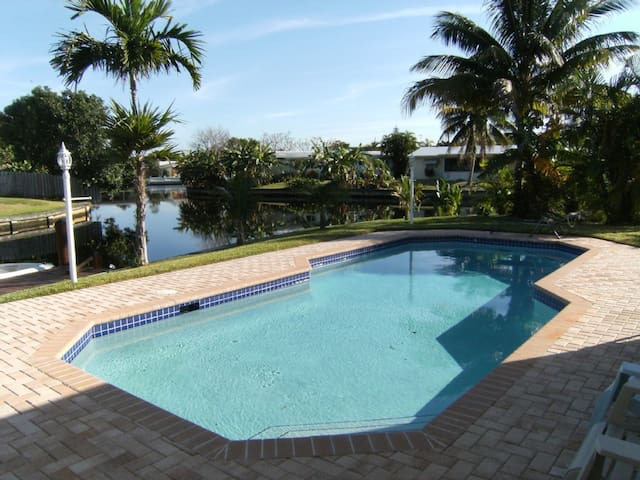 Near Beach Waterfont House w/privatepool  sleep 6 - Fort Lauderdale - Talo
