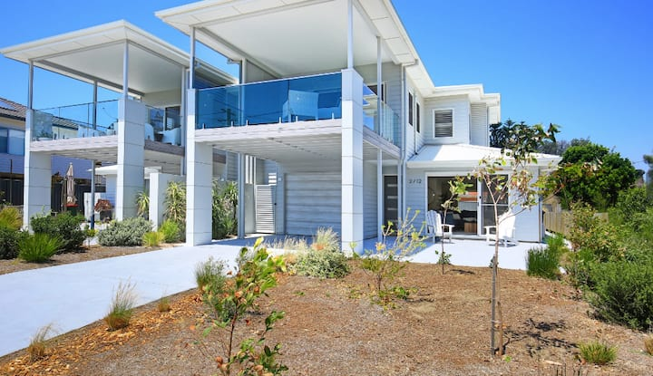 Ayada villa at Culburra Beach - Pet friendly!
