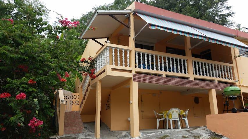 Villa les citronniers, proche des plages