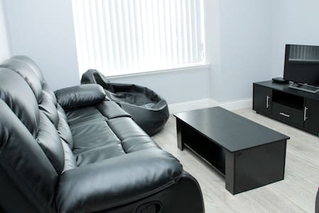 Central Serviced Apartments - Campbell St - 2 Bed