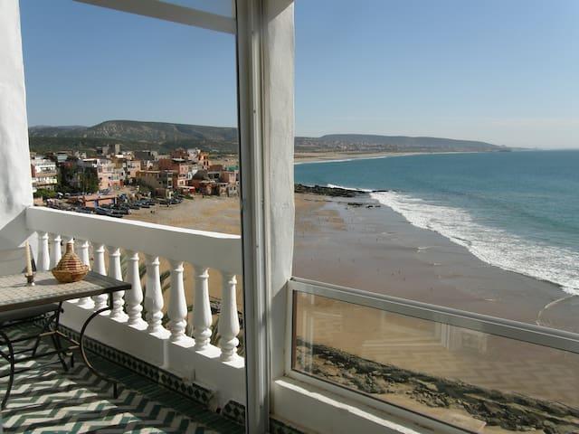 Seaside pad, fab views sleeps four - Taghazout - Apartmen