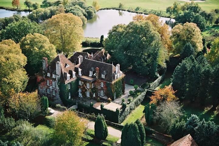 Chateau Drades Estate at Centre-Val de Loire
