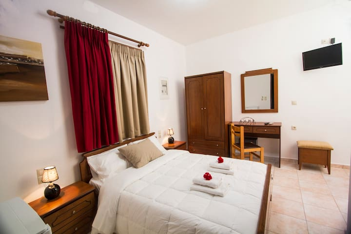 Agarathos Double Room  Near Balos Chania Crete