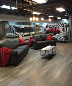 THE MANCAVE! -Prime Location in DOWNTOWN ST. LOUIS - St. Louis