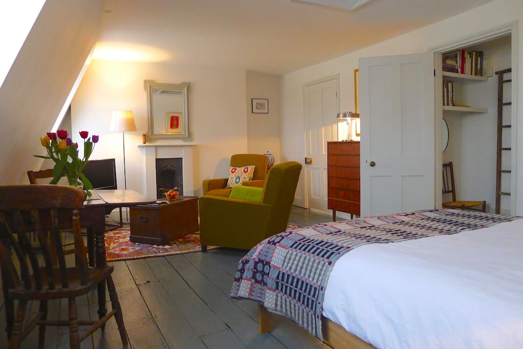 Private Apartment in a Regency Home - Bed and breakfasts ...