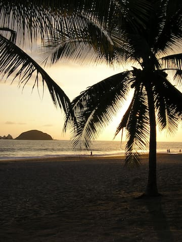 IXTAPA, Amazing 1bdrm Condo on the beach! - Ixtapa Zihuatanejo - Huoneisto