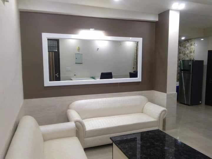 ROYAL CLASS AIRCONDITIONED APARTMENTS (EXECUTIVE)