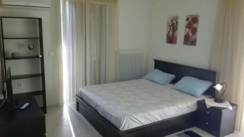 Γκαρσονιέρα ανετη με 2 βεράντες - Καλαμάτα - Apartment