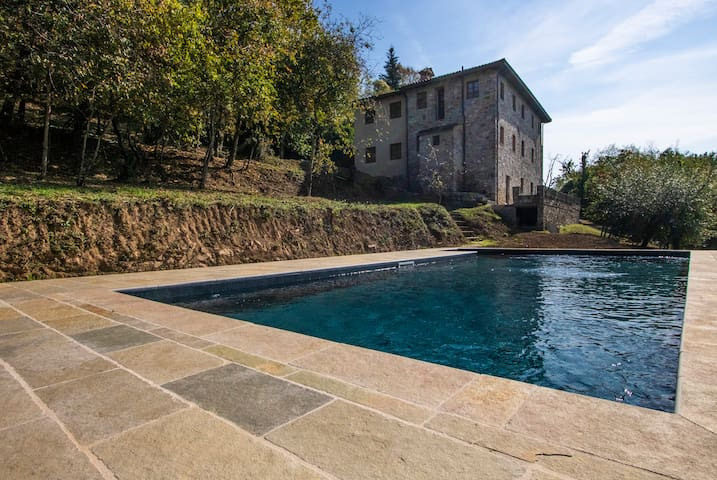 Villa Gromignana - Luxury Pool & Alfresco Dining