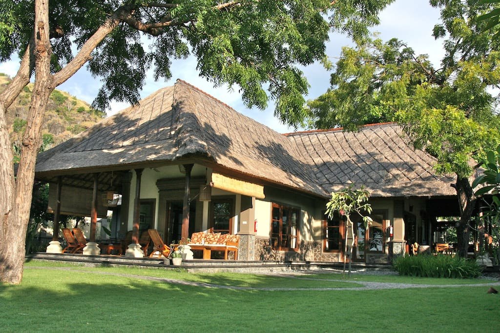 The main house with three bedrooms and three bathrooms and a lounge area