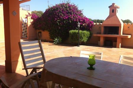 Casa con ampio giardino a Sa Marina - Bari sardo