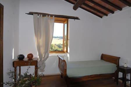 Terre Brune, Tripla 3 pax - Roccalbegna - Bed & Breakfast