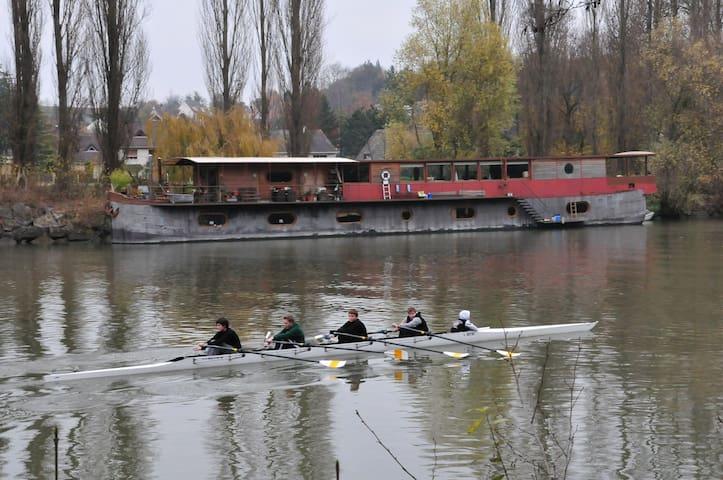 Houseboat for rent Auvers sur oise